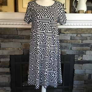 LuLaRoe Carly dress high low black white abstract